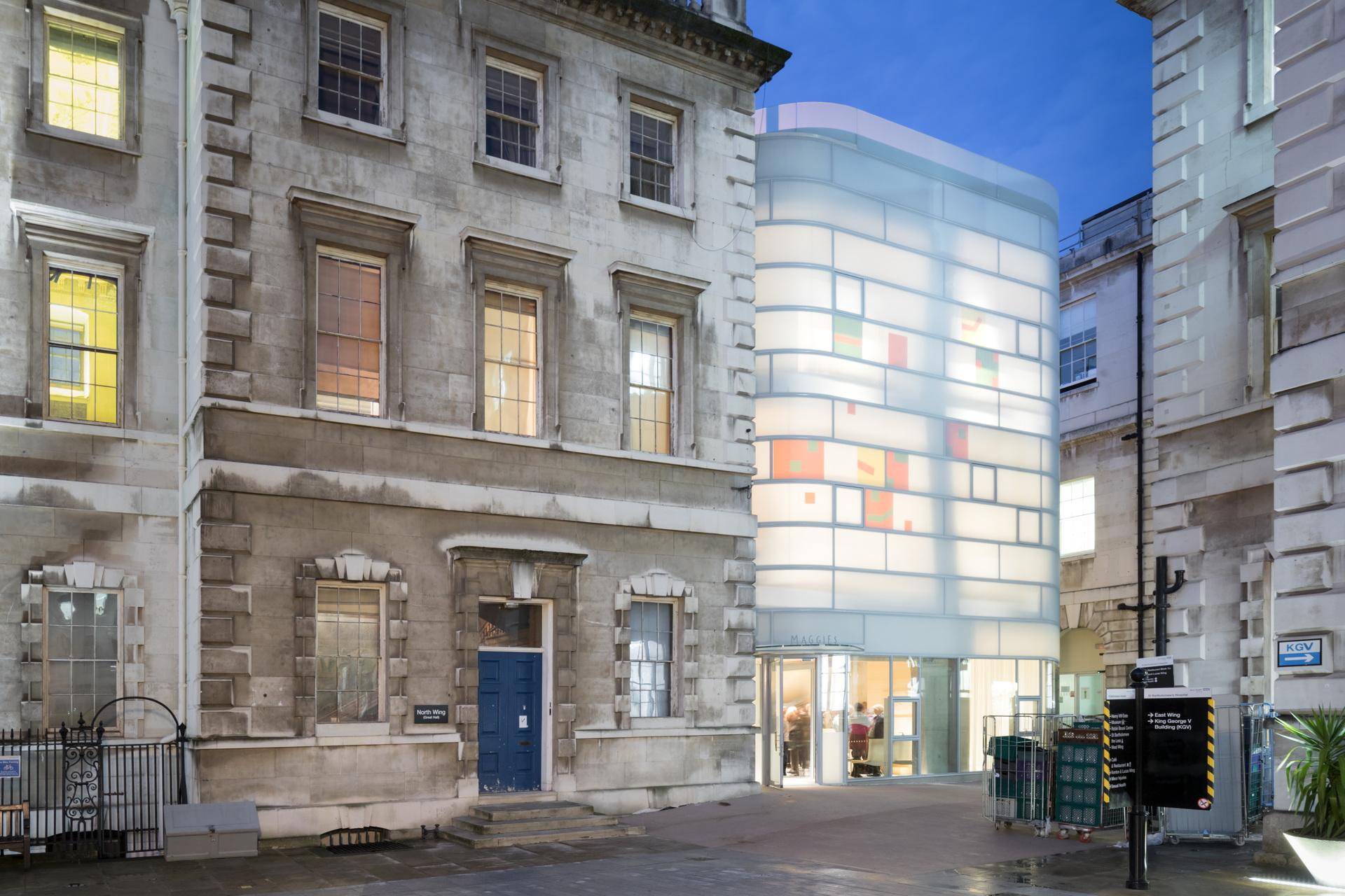 Steven Holl + jmarchitects: Maggie's Centre Barts Londra