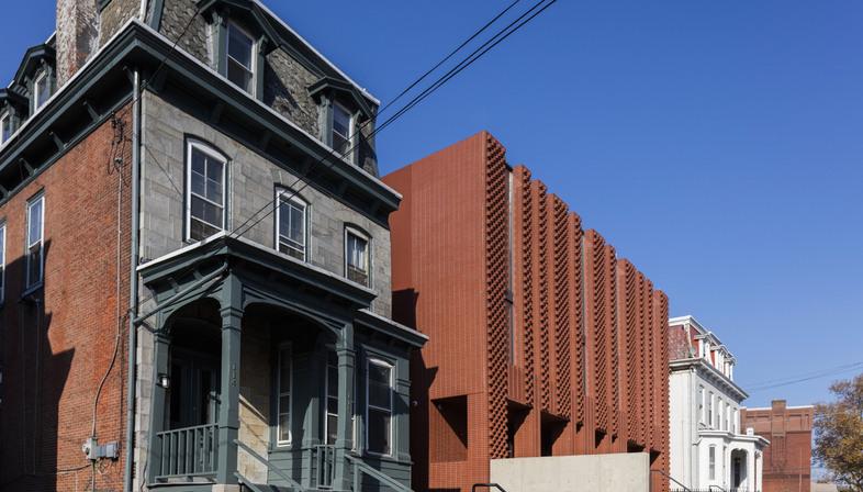 Saitowitz/Natoma: Hillel House alla Drexel University, Filadelfia