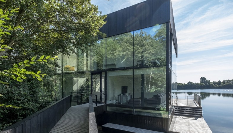 Glass Villa on the Lake di Mecanoo