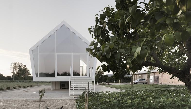 La casa nell'orto di LDA.iMdA: ruralità contemporanea sostenibile