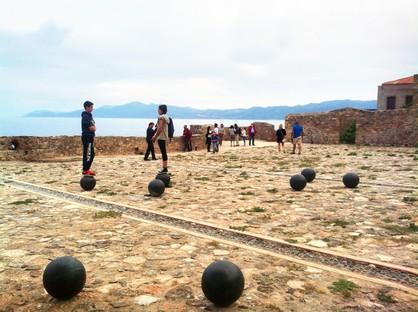 Moy Studio: Water paths, la nuova piazza di Monemvasia