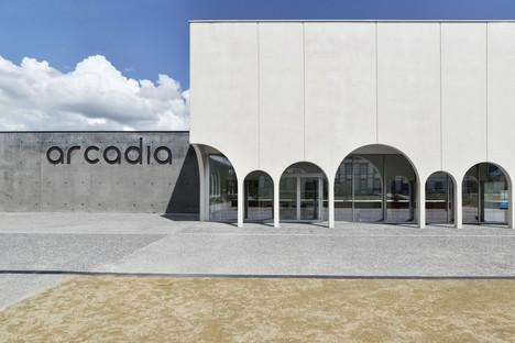 TRACKS: Cinema Arcadia a Riom, Francia
