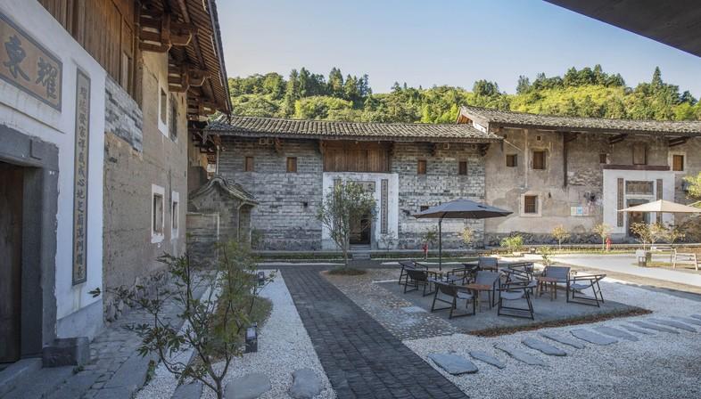 Trace Architecture Office: Tsingpu Tulou Retreat a Fujian, Cina