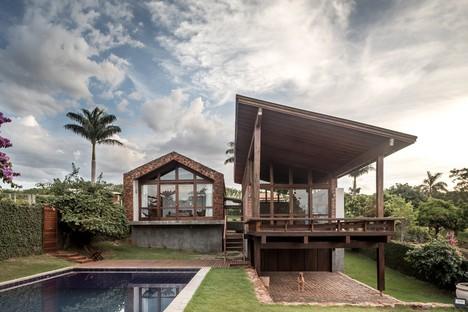 Lake House di Solo Arquitetos