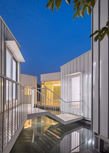 Floating Cubes di Younghan Chung Architects