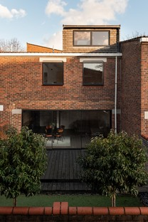 Two and a Half Storey House di Bradley Van Der Straeten Architects