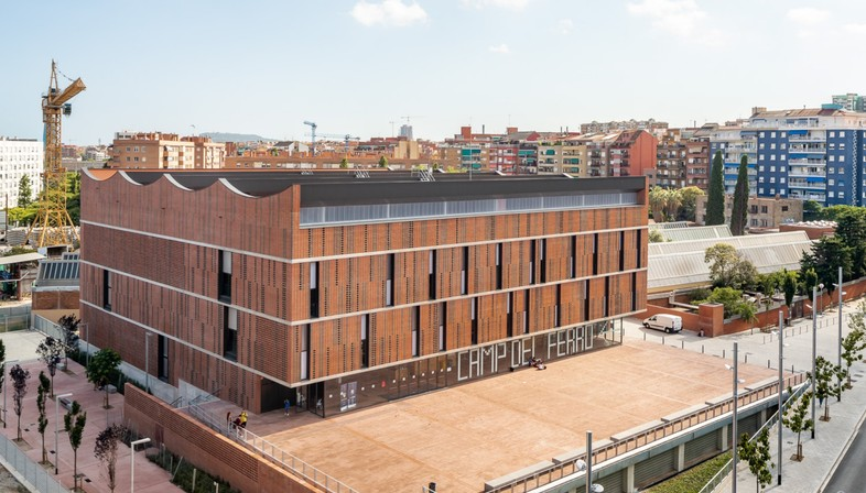 AIA+Barceló-Balanzó+GGG: Centro Camp del Ferro, Barcellona