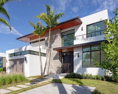 Bay Tropical Residence di SDH Studio
