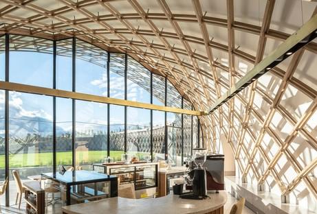 Il Garden Cafe progettato da Steyn Studio per Bosjes, Sud Africa, assieme a SquareOne, Meyers e Liam Mooney
