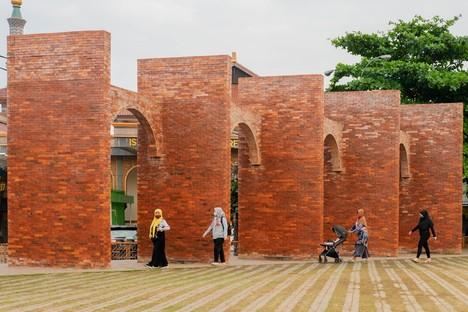 SHAU: Piazza Alun-alun Kejaksan, Cirebon, Indonesia