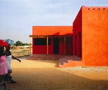 Women's Centre, Hollmén-Reuter-Sandman<br> Rufisque, Senegal, 2001
