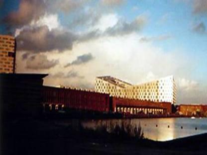 Adriaan Geuze di West 8: La balena di Amsterdam, 2001