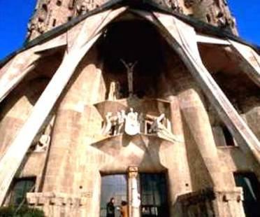 Spagna 2002- Un Anno Intero Per Ricordare Gaudi'