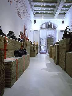 Antonio Barbieri<br> Chiarini, Il negozio temporaneo