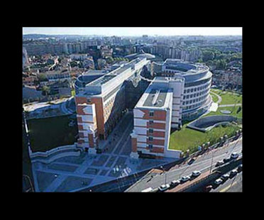 Venturi, Scott Brown and Associates. Sede del dipartimento della Haute-Garonne, Tolosa, Francia