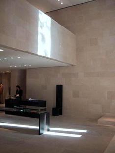 I negozi di Claudio Silvestrin per Giorgio Armani
