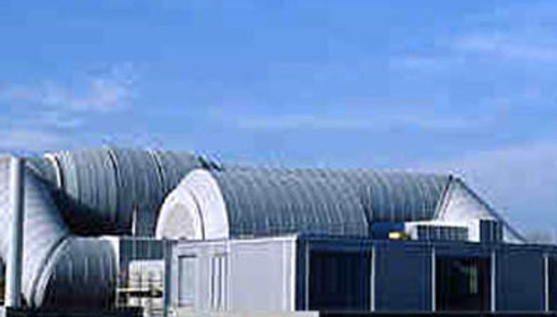 Galleria del vento renzo piano 1998 floornature for Galleria del piano casa