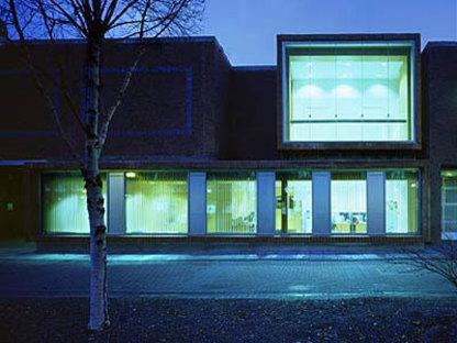 Grafton Architects<br> Uffici e negozi per la Citt&agrave; Universitaria di Dublino, 2003