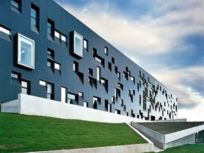 The Perimeter Institute for Theoretical Physics. Saucier + Perrotte. Waterloo, 2004