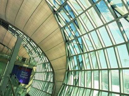 Aeroporto Internazionale Suvarnabhumi. Bangkok. Murphy/Jahn. 2006