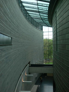 KUMU Art Museum - Vapaavuori Architects. Tallinn, Estonia, 2006