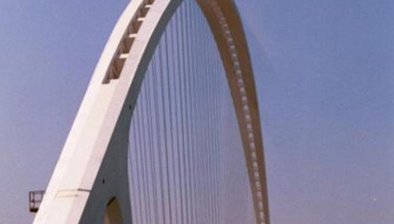 Reggio Emilia. Il Ponte di scavalcamento dell'autostrada. Santiago Calatrava. 2007