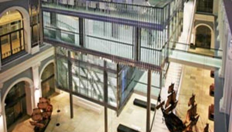 Haus im Haus - Behnisch Architekten. Amburgo, 2007