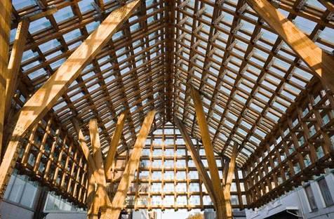 La struttura in pino e le colonne in rovere massello, Ph. Thomas Liu