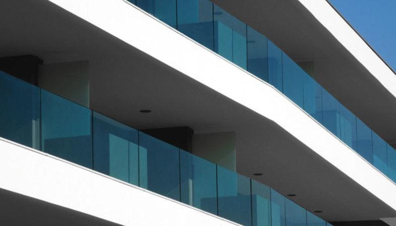 Tisselli: edificio orizzontale a Cesena | Floornature
