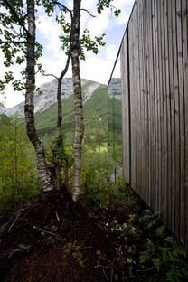 Le residenze scompaiono nella natura