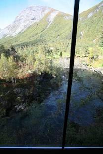 Vista dall''interno sul fiume