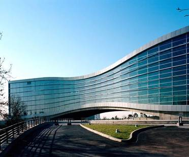 Fluid Motion Architects: Mellat Park Cineplex