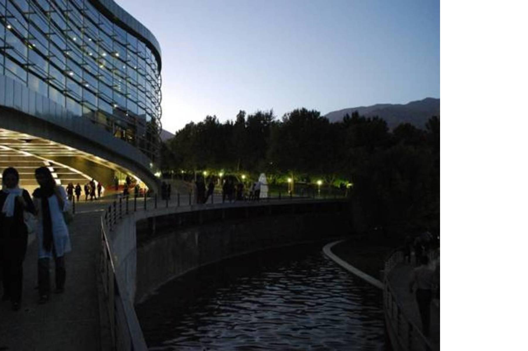 Il Mellat Park Cineplex, centro culturale e luogo di ritrovo, Ph. Reza Daneshmir