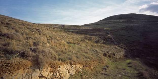 Scorcio del fronte in pietre a secco, Ph. Erieta Attali