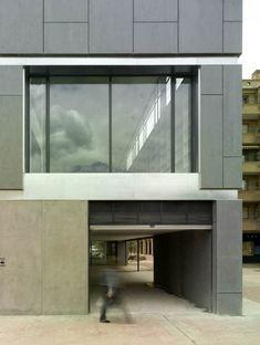 Centro anziani con biblioteca a Saragozza