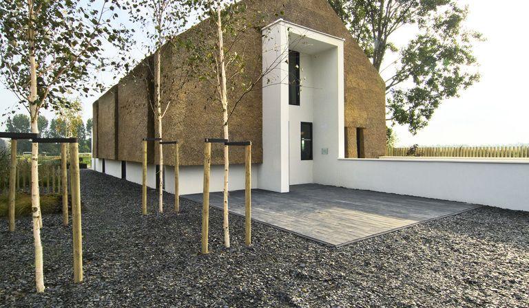 Architettura sostenibile una casa di paglia floornature - Costruire una casa in paglia ...