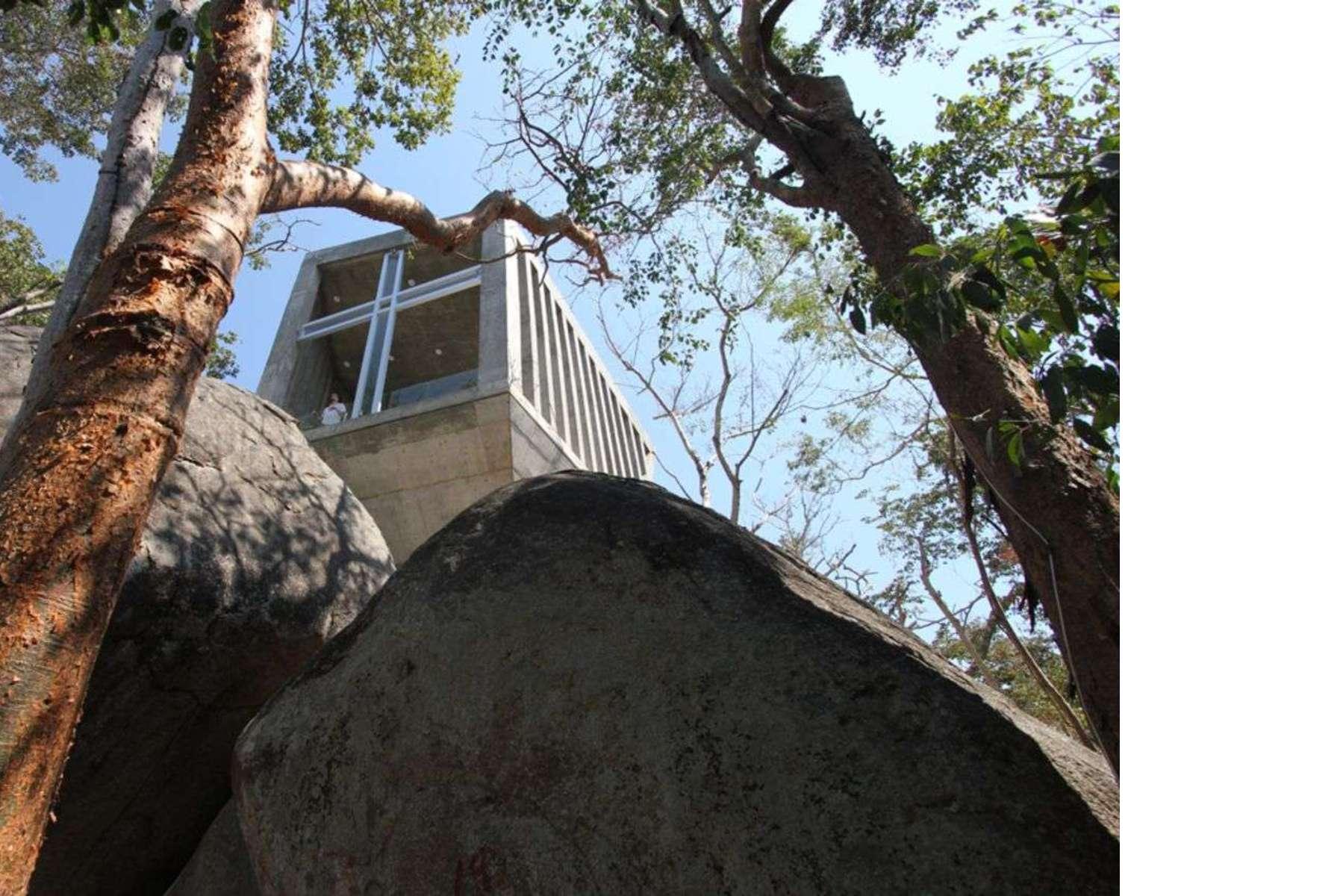 BNKR: Sunset chapel ad Acapulco