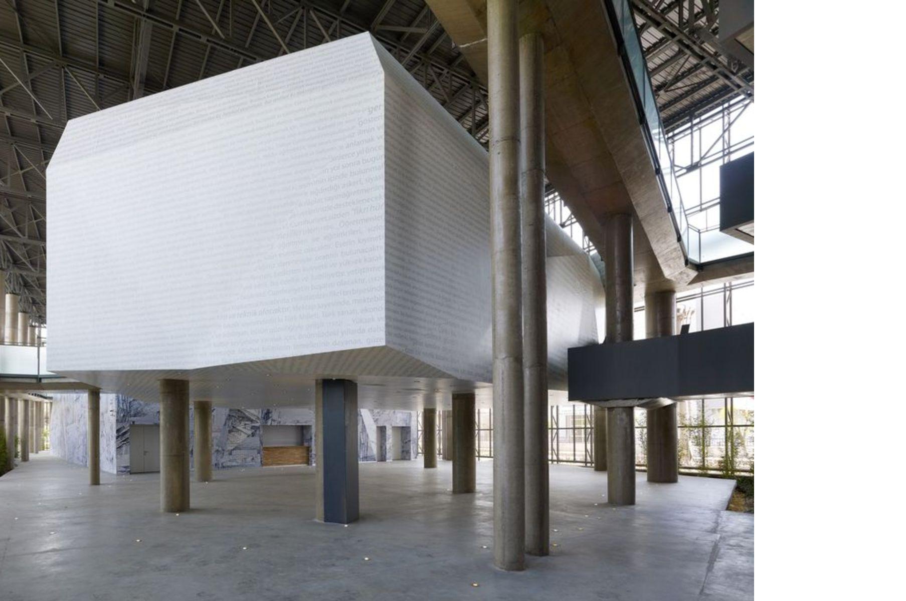 Arolat: Raif Dinçkök Yalova Cultural Center