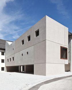 Fügenschuh: Nuova scuola a Rattenberg