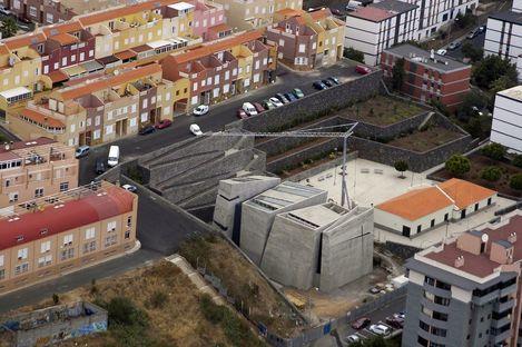 Menis: chiesa del Redentore a Tenerife