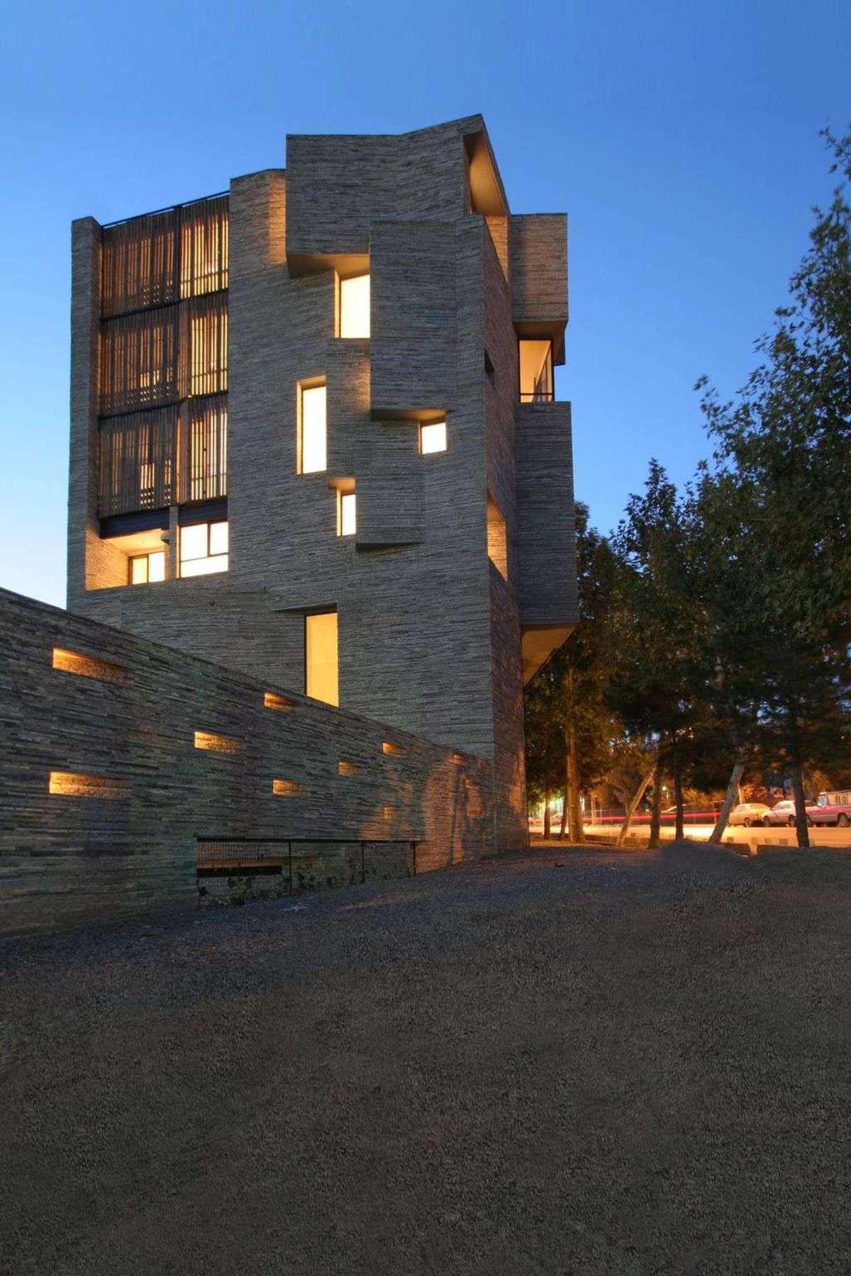 Mehdizadeh Architettura Con Rivestimento Riciclato A