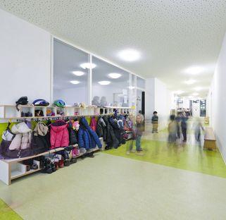 Bolles + Wilson: trasformazione di una chiesa in asilo a Münster