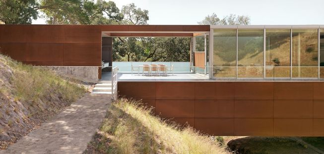 Saitowitz: casa a ponte in California