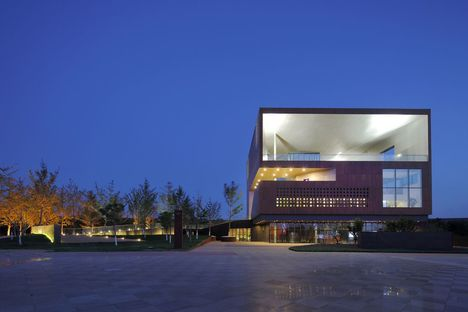 Vector Architects: centro espositivo Vanke Group a Bayuquan