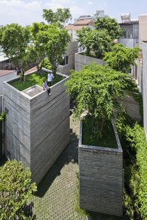 House for trees di Vo Trong Nghia Architects a Ho Chi Minh