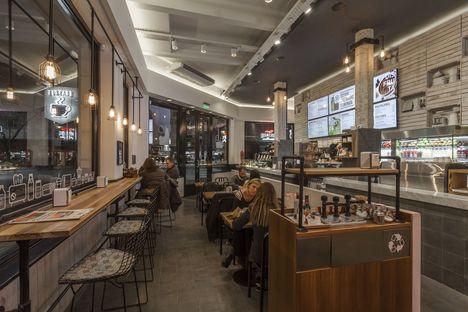 Hitzig Militello Arquitectos e il Tostado Café Club