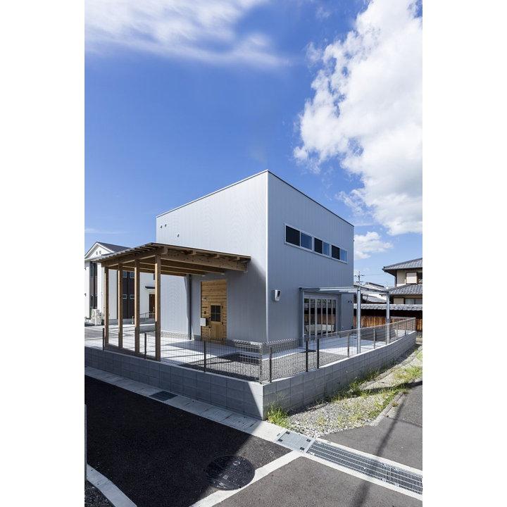 Ishibe house di alts design office livegreenblog for Piani di casa per i lotti di vista posteriore