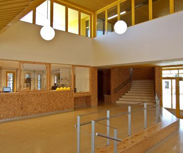 Marta Mata School di Comas-Pont arquitectes
