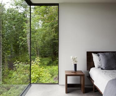 Una casa nella natura dello studio mw works