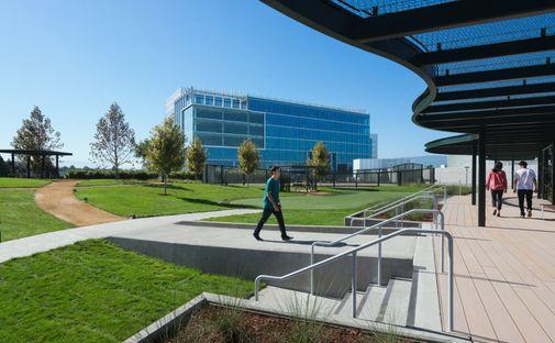 Moffett Place High Garden di DES Architects + Engineers